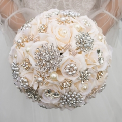 Luxury Crystal Pearls Jewelry Brooch Rose Bouquet